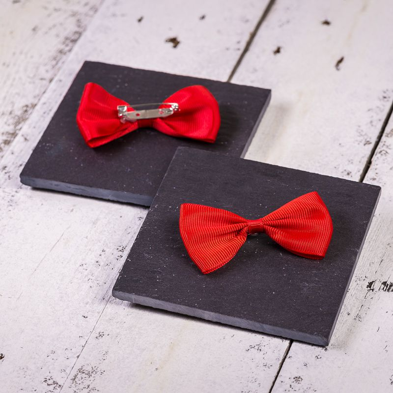 10 pcs. Fabric bows, sized 7 x 3 cm - red